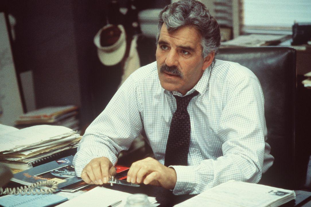 Weiß Nick Detillo (Dennis Farina) mehr als er zugibt? - Bildquelle: Columbia Pictures