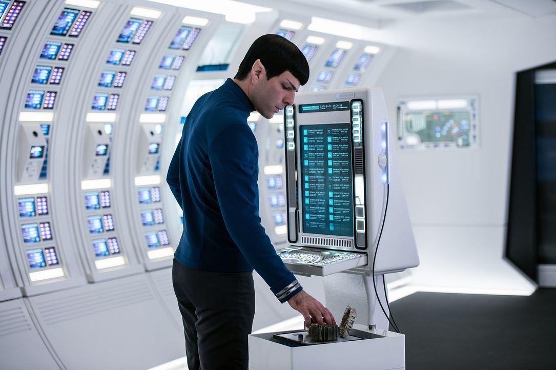 Noch ahnt Spock (Zachary Quinto) nicht, dass schon bald weitaus mehr Mitglieder der Sternenflotte in Gefahr sein werden, als die Besatzung der Enter... - Bildquelle: Kimberley French 2016 Paramount Pictures. STAR TREK and related marks and logos are trademarks of CBS Studios Inc.