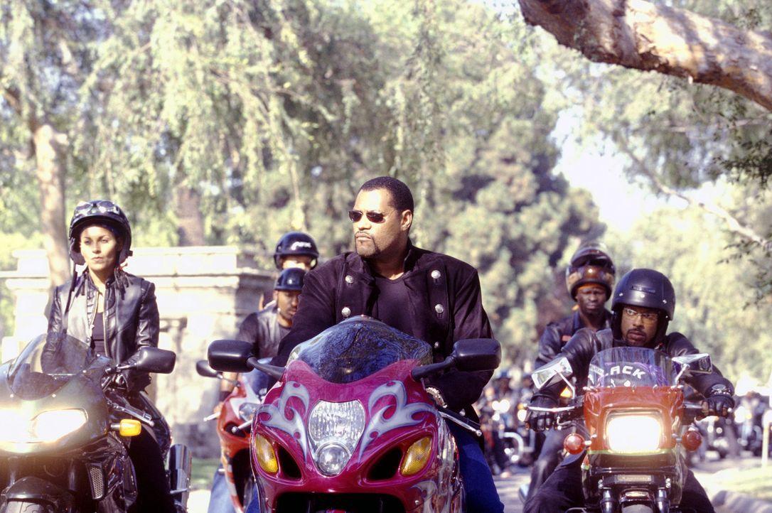 Das Wochenende gehört den illegalen Motorradrennen: (v.l.n.r.) Half & Half (Salli Richardson), Smoke (Laurence Fishburne) und Soul Train (Orlando J... - Bildquelle: DreamWorks SKG