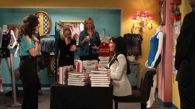 Mandy (Molly Ephraim, l.) bekommt die Chance, ihr großes Idol Kim Kardashian...