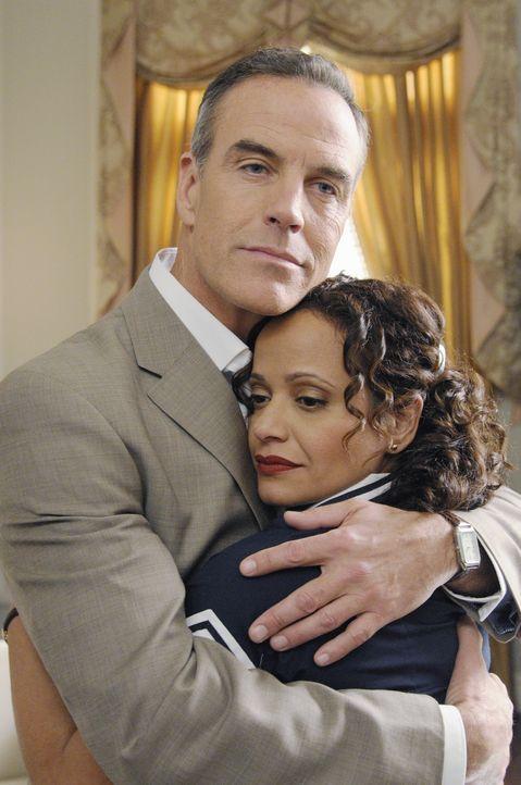 Werden sie noch einmal zueinander finden? Henri (Richard Burgi, l.) und Zoila (Judy Reyes, r.) ... - Bildquelle: ABC Studios