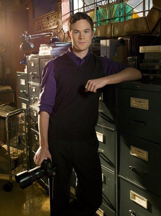 Die Beziehung zwischen Chloe und Jimmy (Aaron Ashmore) wird immer ernster. Doch hält er auch zu ihr, wenn er ihr Geheimnis erfährt? - Bildquelle: Warner Bros.