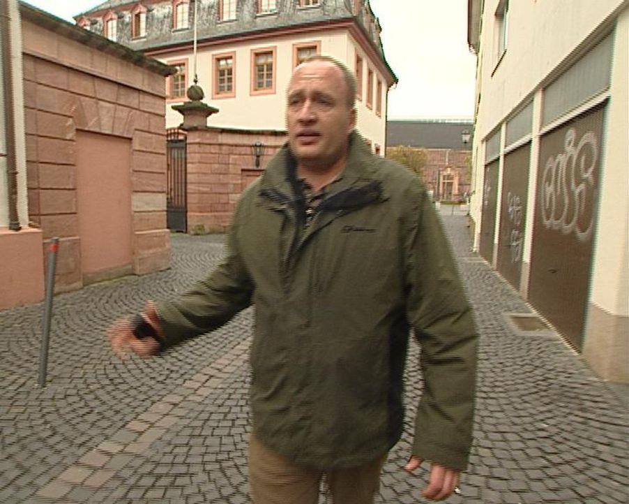 Citydetektiv Mario auf seinem Rundgang durch Mainz. - Bildquelle: Sat.1