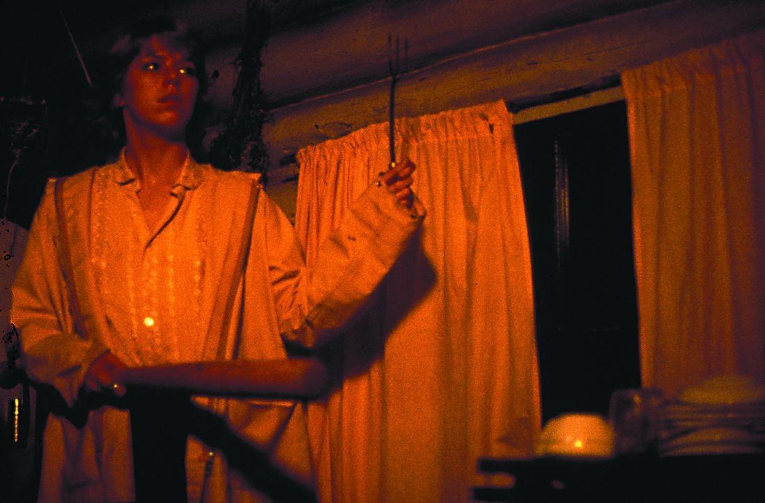Im Ferienlager Camp Crystal Laketreibt ein Mörder sein Unwesen. Die Aufseherin Alice (Adrienne King) ahnt, dass der es nun auf sie abgesehen hat ... - Bildquelle: 1980 Warner Brothers International Television Distribution Inc.