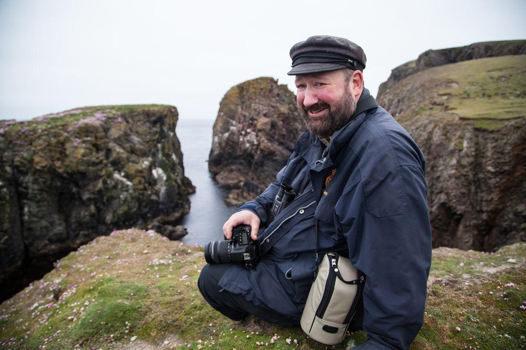 Diesmal reist Abenteurer Ben Fogle zu einer der abgelegensten Inseln in Großbritannien, um Tommy Hyndman (Foto) auf der windigen Fair Isle zu besuch... - Bildquelle: Jo Young 2015 BBC / Renegade Pictures