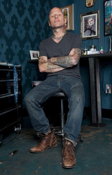 """In """"Tattoo Nightmares"""" kümmert sich Tommy Helm um verzweifelte Kunden, die ihre misslungenen Tattoos verschönern lassen wollen. - Bildquelle: 2012 Spike Cable Networks Inc. All Rights Reserved."""