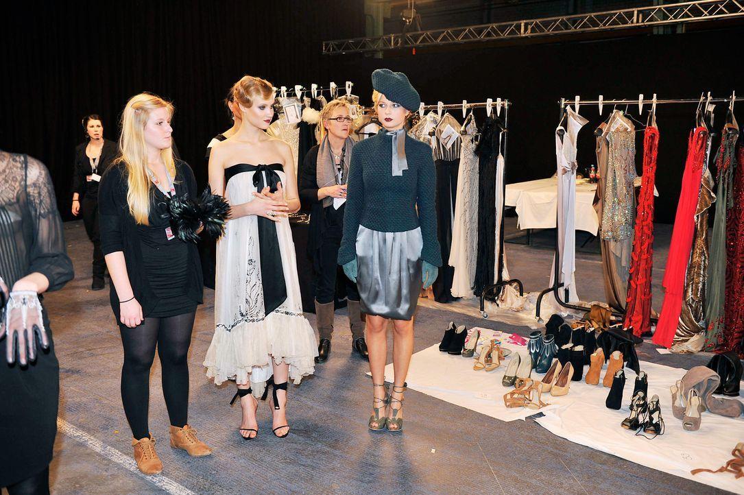 germanys-next-topmodel-stf07-epi01-modenschau-backstage-45-oliver-s-prosiebenjpg 1990 x 1324 - Bildquelle: Oliver S. - ProSieben