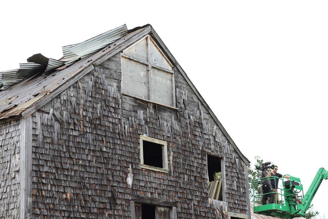 Diese Scheune hat schon 200 Jahre auf dem Buckel, als Mark und sein Team sie restaurieren wollen ... - Bildquelle: 2015, DIY Network/Scripps Networks, LLC. All Rights Reserved.