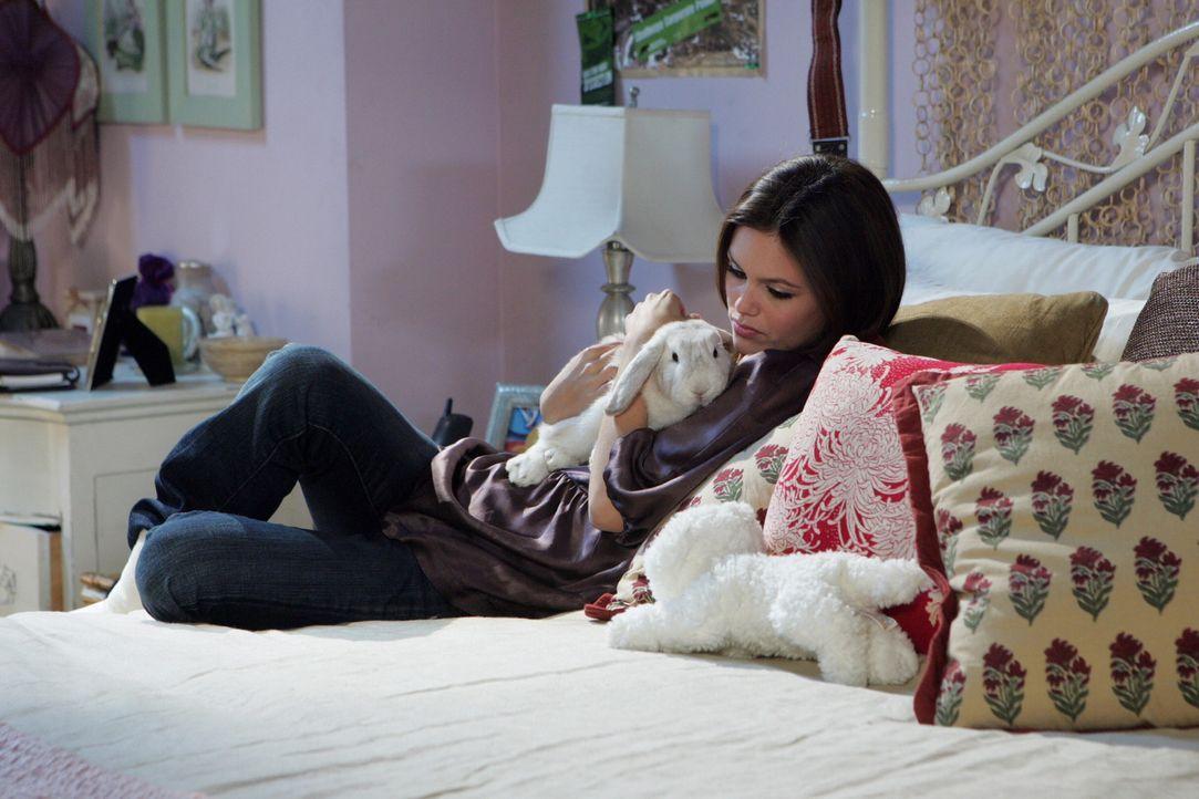 Summer (Rachel Bilson) ist enttäuscht, da Seth für sie keine Überraschung für Silvester geplant hat ... - Bildquelle: Warner Bros. Television