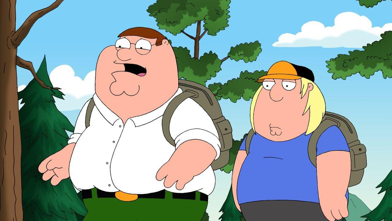 Als Chris (r.) einen Esswettbewerb gewinnt, entscheidet Lois, dass ihr übergewichtiger Sohn ins Diätcamp muss. Peter (l.) begleitet ihn ... - Bildquelle: 2011 Twentieth Century Fox Film Corporation. All rights reserved.