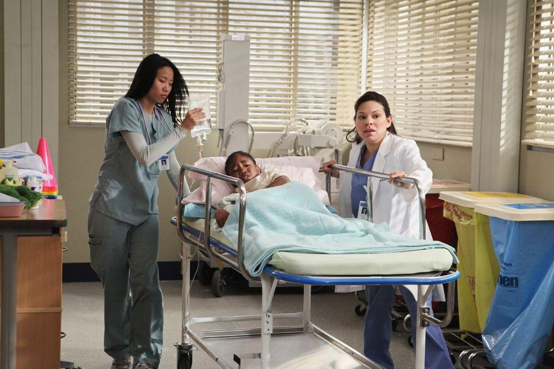 Kümmern sich um eine kleines Mädchen: Graciella (Gloria Garayua, r.) und Ruby (China Anderson, l.) ... - Bildquelle: Touchstone Television