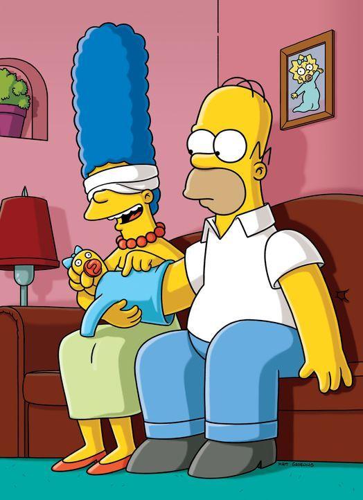 """Homer (r.) muss sich so einige Tricks einfallen lassen, denn Marge (l.) soll auf keinen Fall merken, dass er die kleine Maggie beim Einkaufen """"verlo... - Bildquelle: und TM Twentieth Century Fox Film Corporation - Alle Rechte vorbehalten"""