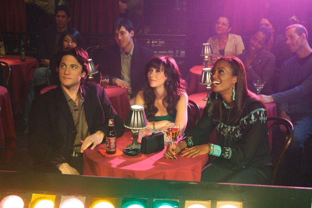 Jim (David Conrad, l.), Melinda (Jennifer Love Hewitt, M.) und Andrea Moreno (Aisha Tyler, r.) wollen einen entspannten Abend im Comedy Club verbrin... - Bildquelle: ABC Studios