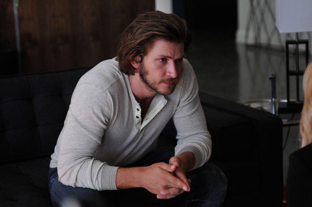 Kann Clay (Greyston Holt) die Chance, den Mutt-Aufstand niederzuschmettern, nutzen? - Bildquelle: 2014 She-Wolf Season 1 Productions Inc.