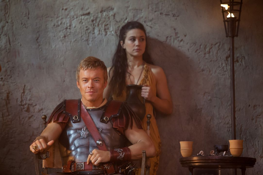 Wird als Held gefeiert: Julius Caesar (Todd Lasance) ... - Bildquelle: 2012 Starz Entertainment, LLC. All rights reserved.
