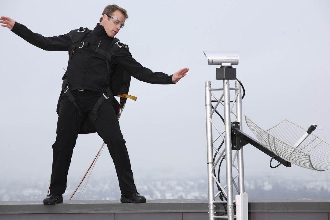 Versucht mit allen Mitteln, Martin Gleason zu befreien: Christopher Chance (Mark Valley) ... - Bildquelle: Warner Brothers