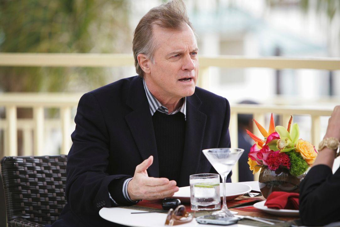 Während Cooper verhaftet wird, trifft sich Addison mit ihrem Vater (Stephen Collins) ... - Bildquelle: ABC Studios