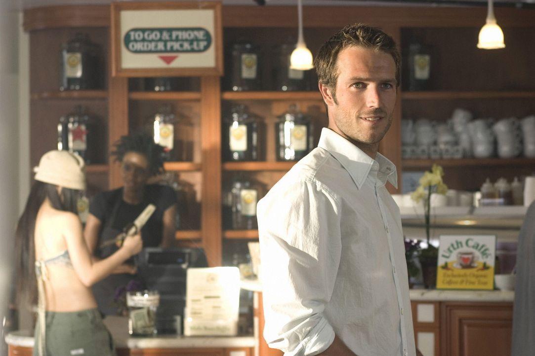 Kevin Fields (Michael Vartan) ist ein erfolgreicher, wohlhabender Chirurg und noch dazu ausgesprochen attraktiv. Dennoch hat er einen Haken: seine M... - Bildquelle: Warner Bros. Pictures