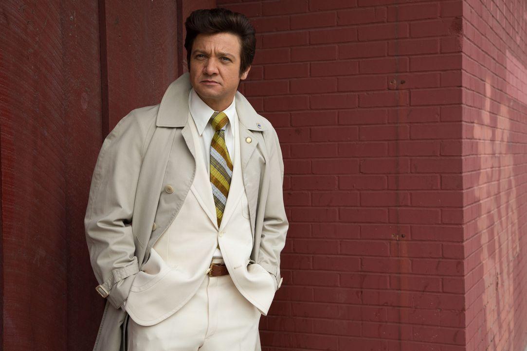 Ist der umtriebige Bürgermeister von Camden, Carmine Polito (Jeremy Renner), tatsächlich jemand, der sich kaufen lässt? - Bildquelle: TOBIS TFILM