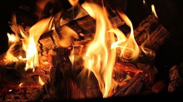 Lagerfeuer-Flammen