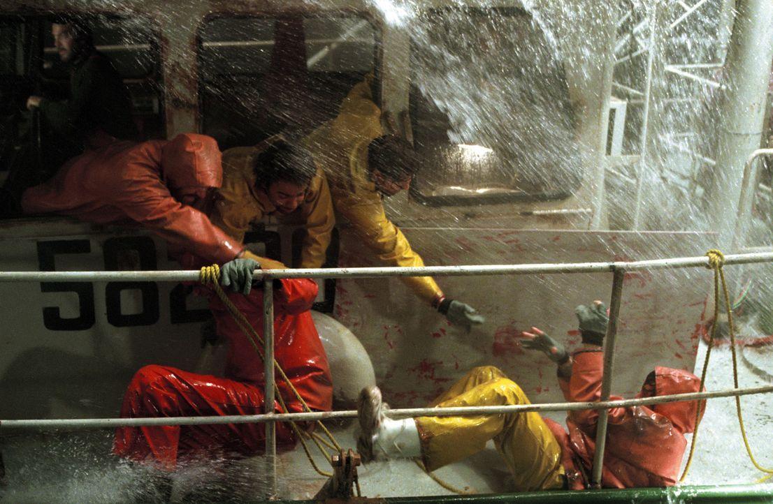 Eine wahre Geschichte: Im Herbst 1991 stößt der Hurricane Grace vor der Ostküste der USA auf zwei weitere Schlechtwetterfronten. Dadurch braut si... - Bildquelle: Warner Bros. Pictures