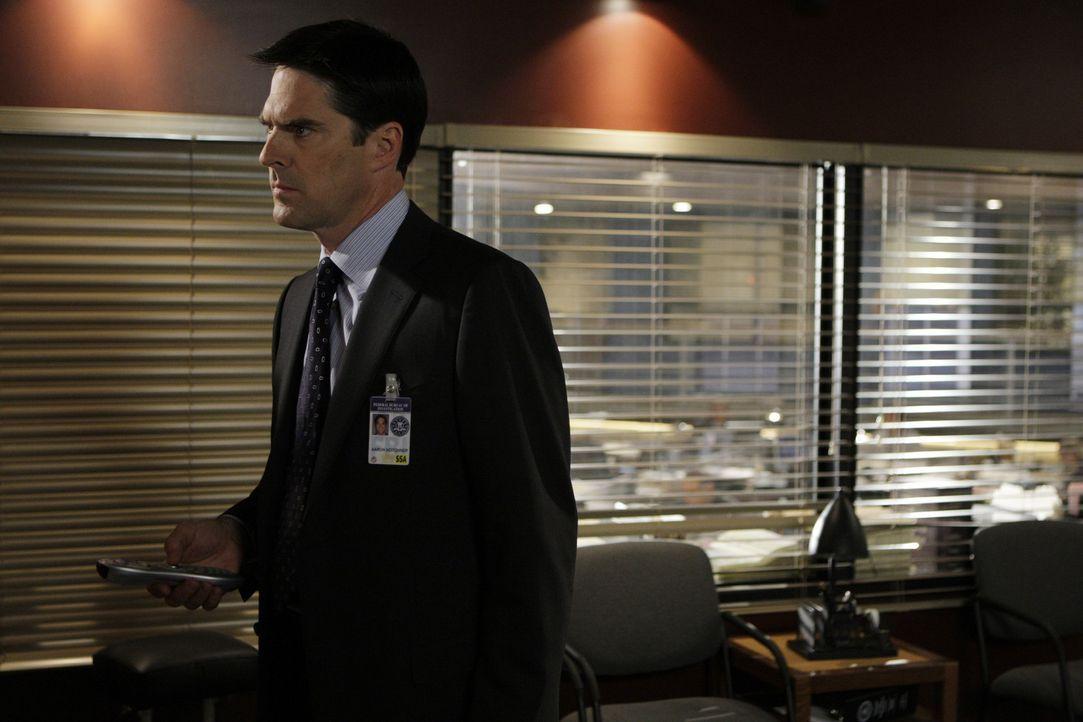 Ein neuer Fall bereitet ihm Kopfzerbrechen: Special Agent Aaron Hotchner (Thomas Gibson) ... - Bildquelle: Touchstone Television