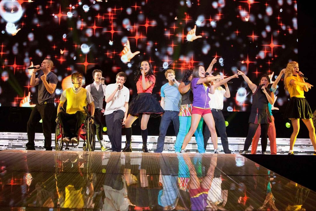"Mitreißende Musik und jede Menge Herzschmerz: Seit 2009 ist die TV-Serie ""Glee"" um einen Highschool-Chor nicht nur in den USA ein Hit. Der Film, der... - Bildquelle: TM and   2011 Twentieth Century Fox Film Corporation.  All rights reserved."