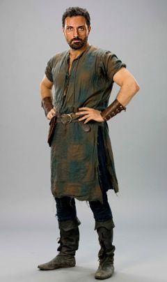 Die Säulen der Erde: Rufus Sewell als Tom Builder (Bildergalerie) - Bildquelle: Egon Endrenyi - Tandem Productions - Pillars Productions