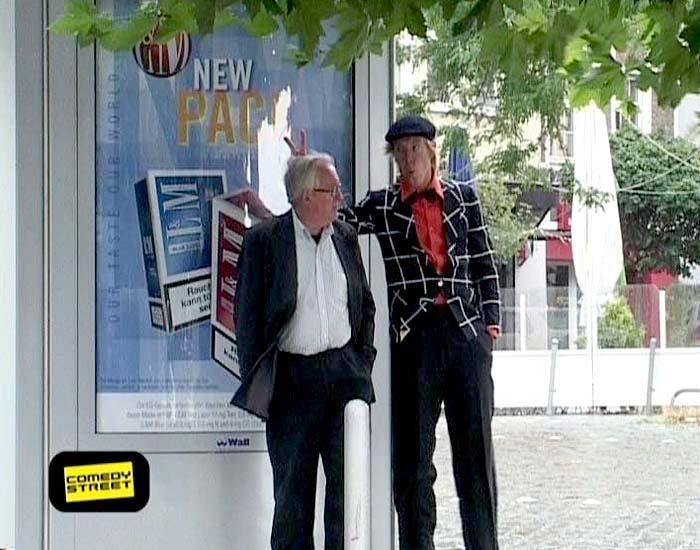 comedystreet-st-04-epi-02-grab-simon-gosejohann-07-prosiebenjpg 700 x 550 - Bildquelle: Guido Ohlenbostel ProSieben