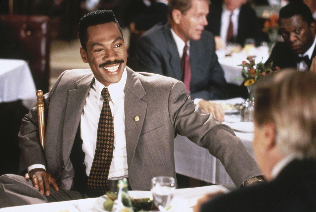 Geschickt ebnet sich der Gauner und aufstrebende Politiker Thomas Jefferson Johnson (Eddie Murphy) den Weg an die lukrativen Pfründe mittels zahlrei... - Bildquelle: Buena Vista Pictures