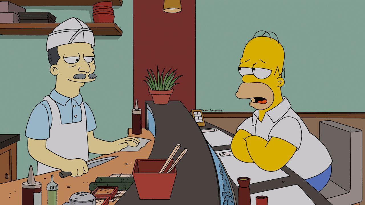 Während Milhouse eine Taktik sucht, wie er Lisa rumkriegen kann, sucht Homer (r.) nach einem Fauxpas Rat beim Küchenchef (l.) ... - Bildquelle: und TM Twentieth Century Fox Film Corporation - Alle Rechte vorbehalten