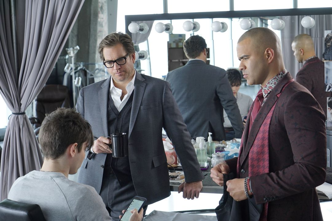 Wird Brandon (Luke Slattery, l.) endlich mit der Wahrheit rausrücken? Bull (Michael Weatherly, M.) und Chunk (Chris Jackson, r.) geben ihr Bestes, u... - Bildquelle: David M. Russell 2016 CBS Broadcasting, Inc. All Rights Reserved.