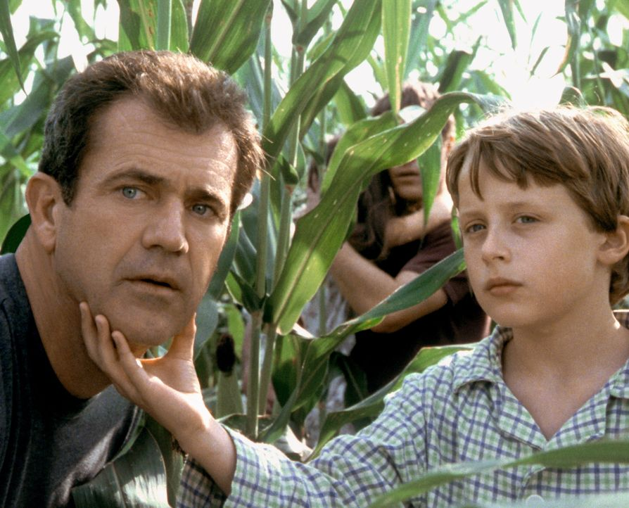 Das Leben von Morgan (Rory Culkin, r.), Graham (Mel Gibson, l.), Bo und Merrill wird endgültig auf den Kopf gestellt, als sie ein komplexes Muster a... - Bildquelle: Touchstone Pictures