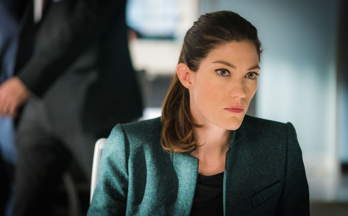 Sands versucht alles, damit Rebecca (Jennifer Carpenter) die Untersuchung von Senator Morra beendet ... - Bildquelle: David M. Russell 2015 CBS Broadcasting, Inc. All Rights Reserved