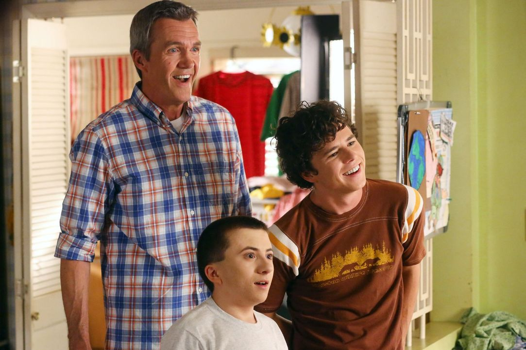 (v.l.n.r.) Mike (Neil Flynn); Brick (Atticus Shaffer), Axl (Charlie McDermott) - Bildquelle: Warner Brothers