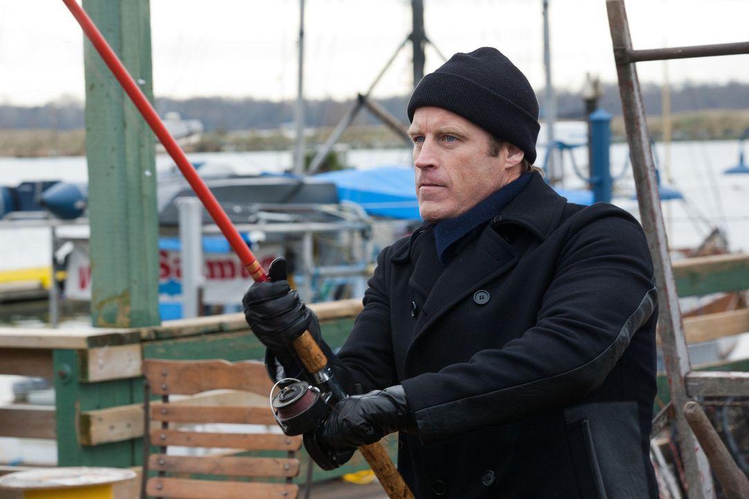 Die Auftragskillerin darf nicht zu nahe an Chance' (Mark Valley) Klient gelangen ... - Bildquelle: 2011  Warner Bros.