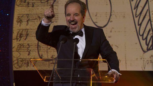 Merc (John Pankow) wird der Award
