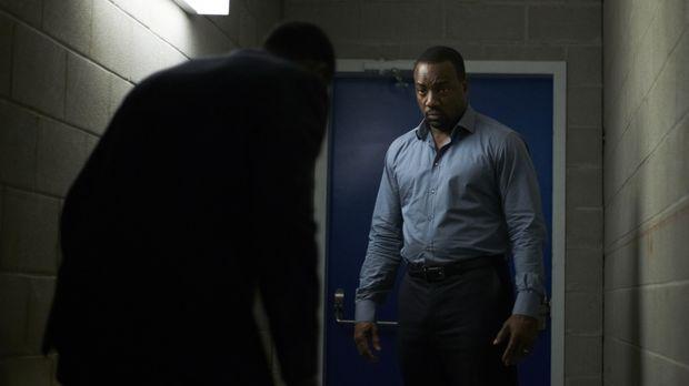 Nina hat völlig die Kontrolle verloren und jetzt muss Bill (Malik Yoba) gegen...