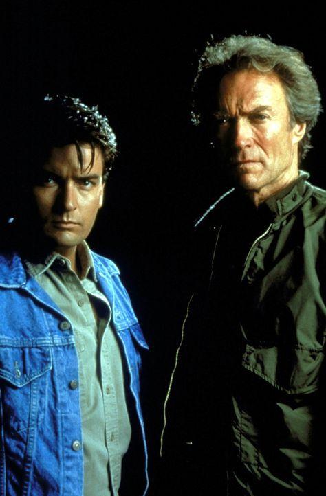 Nick Pulovski (Clint Eastwood, r.) ist ein Cop, der sein Geschäft schon lange kennt und auch beherrscht. Doch mit seinem neuen unerfahrenen Partner... - Bildquelle: Warner Bros.