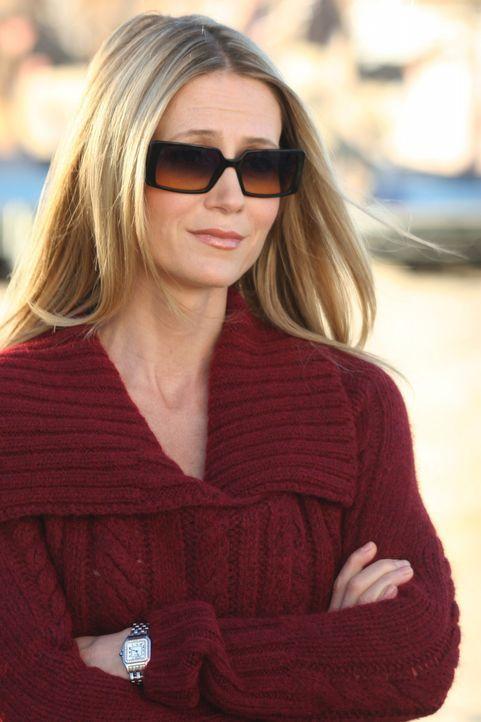 Nimmt am Strand Abschied von Johnny: Kirsten (Kelly Rowan) ... - Bildquelle: Warner Bros. Television