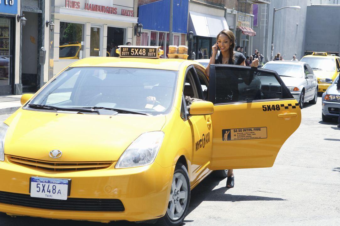 Ashleigh Howard (Amber Stevens) zieht nach New York, um mit ihrem neuen Job in Manhattan anzufangen ... - Bildquelle: 2010 Disney Enterprises, Inc. All rights reserved.