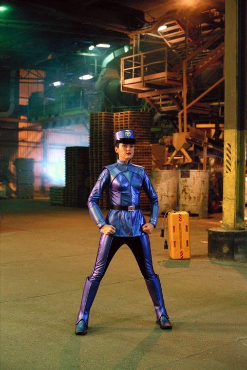 100% Roboter, aber verdreht unserem Inspektor gewaltig den Kopf: G2 (Elaine Hendrix) ... - Bildquelle: Walt Disney Pictures
