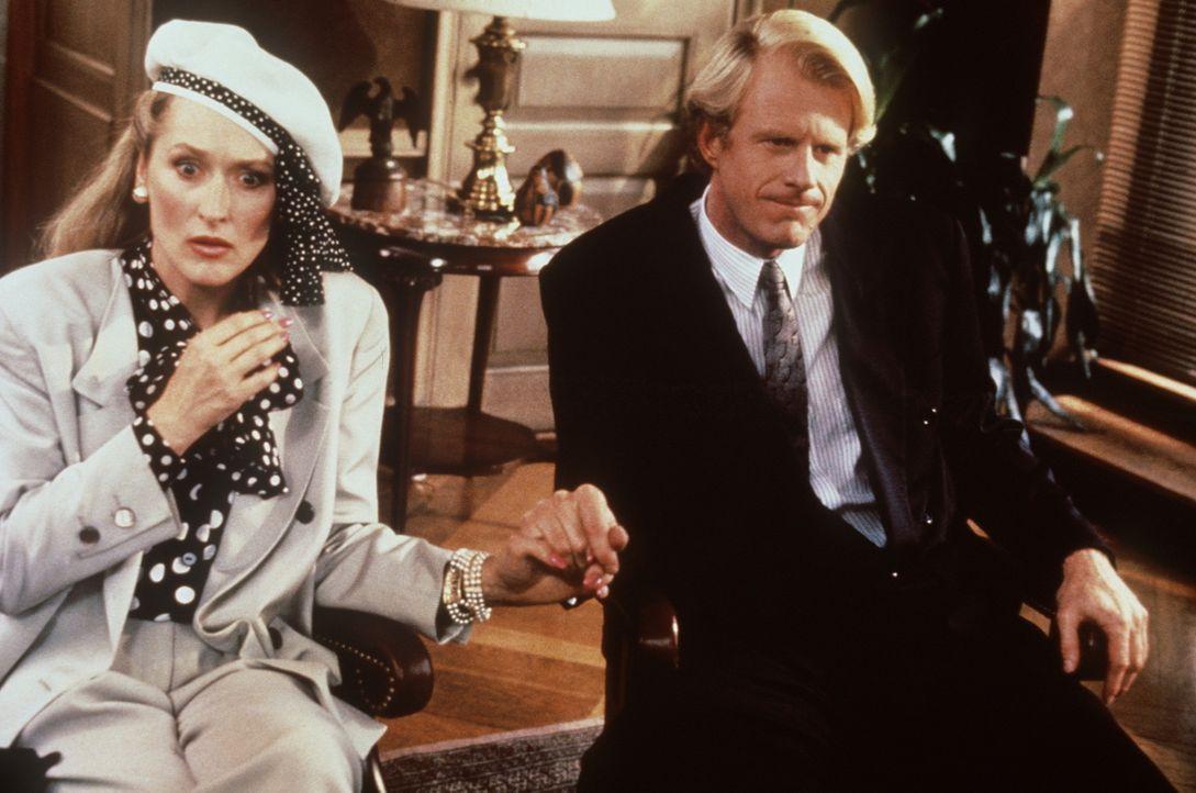 Mit ihrem neuen Freund Bob (Ed Begley Jr., r.) erlebt die attraktive Schriftstellerin Mary (Meryl Streep, l.) einen Schock nach dem anderen. - Bildquelle: 20th Century Fox