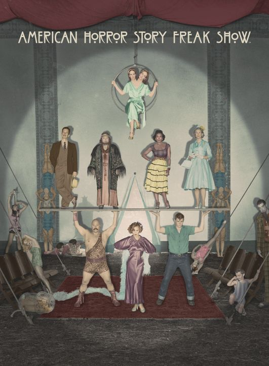 (4. Staffel) - Willkommen in der Freak Show: Bette/Dot Tattler (Sarah Paulson, oben), Stanley (Denis O'Hare, Mitte l.), Ethel Darling (Kathy Bates,... - Bildquelle: 2014-2015 Fox and its related entities. All rights reserved.