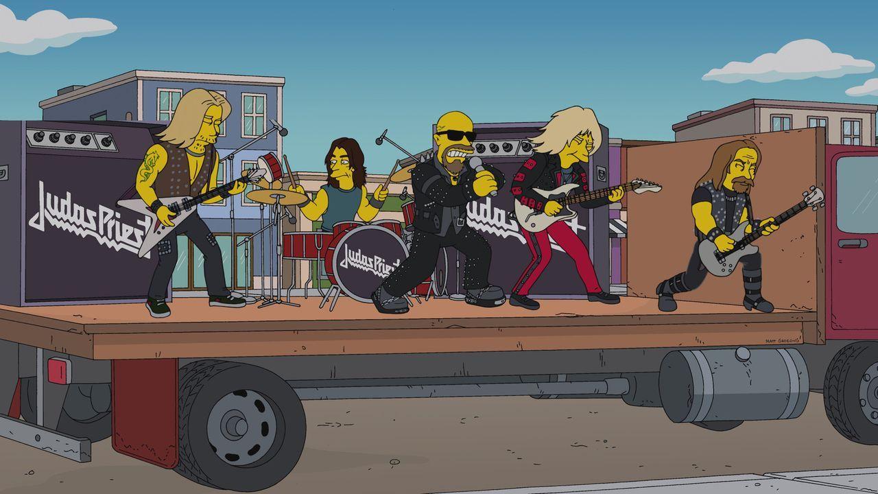 """Judas Priest sind mit ihrem Titel """"Breaking the Law"""" nicht nur für Homer, sondern auch für den schwedischen Konsul ein leuchtendes Vorbild ... - Bildquelle: 2013 Twentieth Century Fox Film Corporation. All rights reserved."""