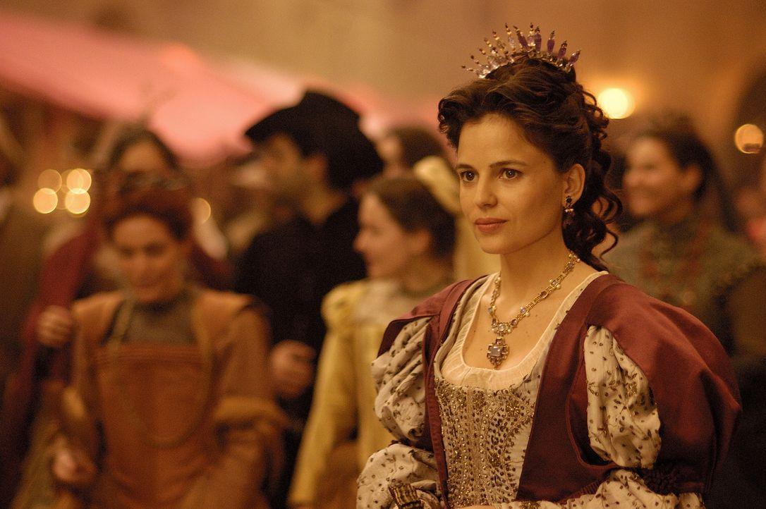 Aus der kleinen Angélica de Alquézar (Elena Anaya) ist eine wirkliche Schönheit geworden, in die sich Íñigo auch prompt verliebt ... - Bildquelle: José Haro TF1 International
