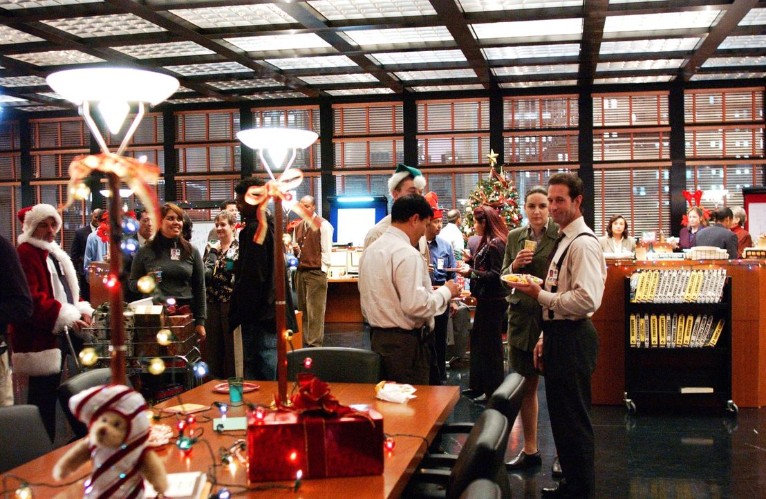 Weihnachten steht vor der Tür ... - Bildquelle: Warner Bros. Entertainment Inc.