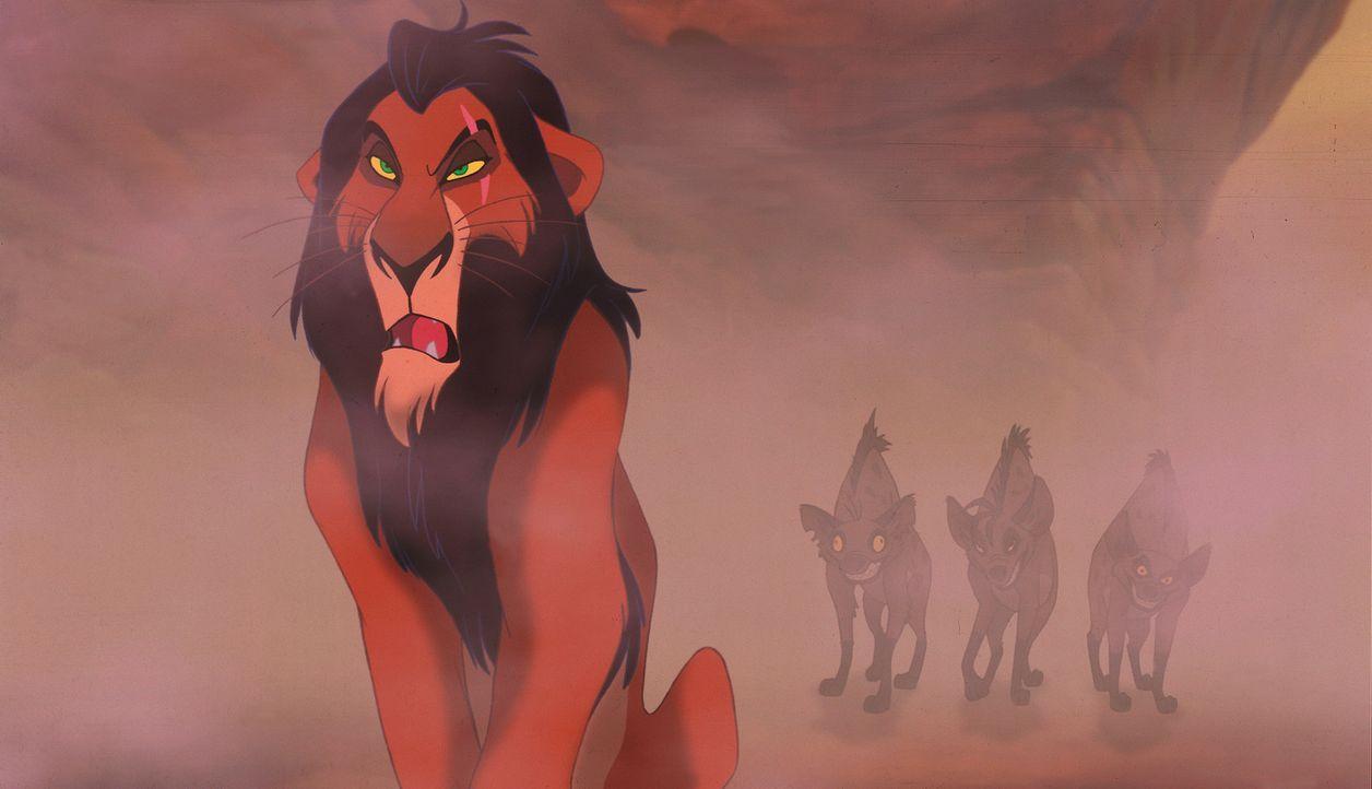 Scar verfolgt einen fiesen Plan, um seinen Bruder zu stürzen und selber König zu werden ... - Bildquelle: Disney