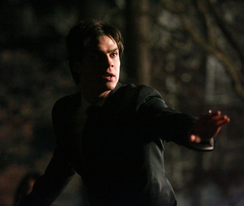 Damon (Ian Somerhalder) muss seinen Bruder aufhalten, um ihr Geheimnis zu bewahren. - Bildquelle: Warner Bros. Television