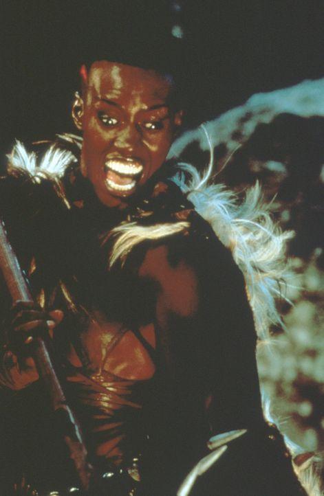 Die Amazone Zula (Grace Jones) begleitet Conan bei der Suche nach einem geheimnisvollen Schatz ... - Bildquelle: Universal Pictures